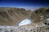 v kráteru Licancaburu; crater of volcano Licancabur, SW Bolivia